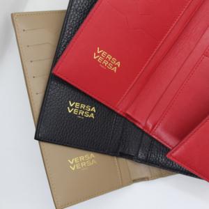 Pour lequel de nos portefeuilles craquerez vous aujourd'hui : rouge, noir ou bien taupe ? Venez vite découvrir notre petite maroquinerie...Which of our wallets would you like for today : black, red or taupe?..................................................................................................................#versaversa #bag #sac #luxe #fashion #luxurybag #frenchbrand #frenchcreator #color #colorbag #savoirfaire #smallleathergoods #cuir #france #mode #madeinspain #slowfashion #paris #customized #fashionlover #original #unique #gift #purse #wallet